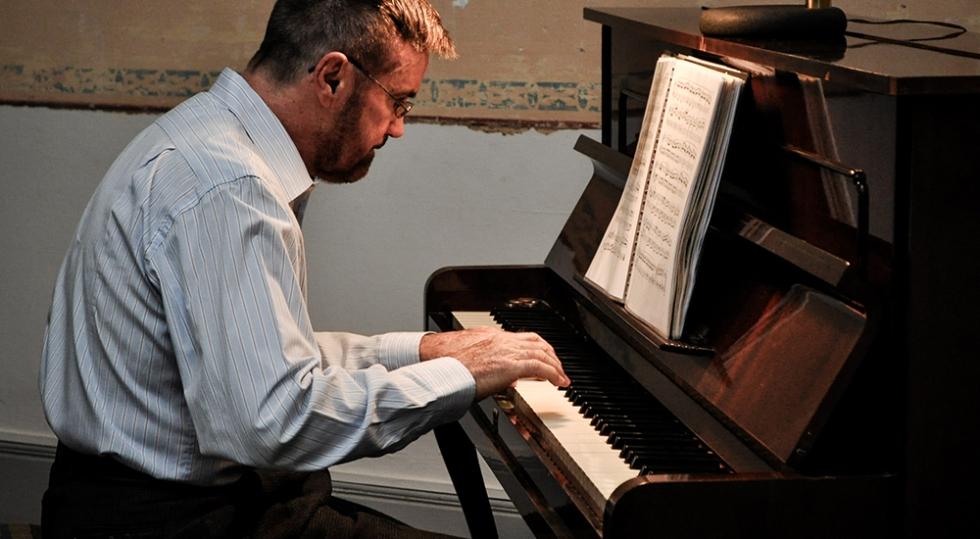 Concerto com o pianista Ricardo Diniz encerra Semana Elias Lobo